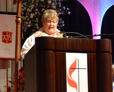Rev. Cynthia Jones speaks at Retiree Recognition service
